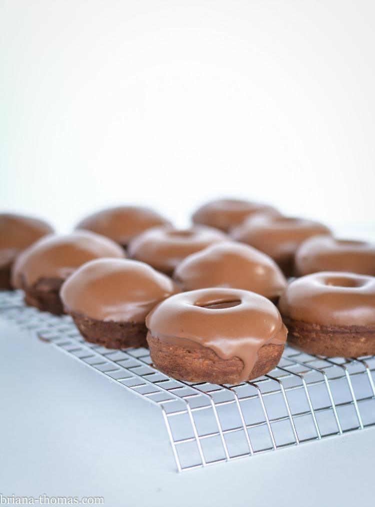 Chocolate Ganache Frosting/Glaze - Briana Thomas